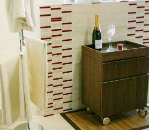 70102 Stäbchen Travertino Rot Glas 001 300x261 - 70102_Stäbchen Travertino & Rot Glas_001